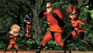 Cartel de la familia de la película de animación Los Increibles en actitud de ataque